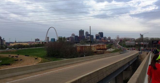 St Louis skyline. Note the long stream of runners heading into the MLK Bridge